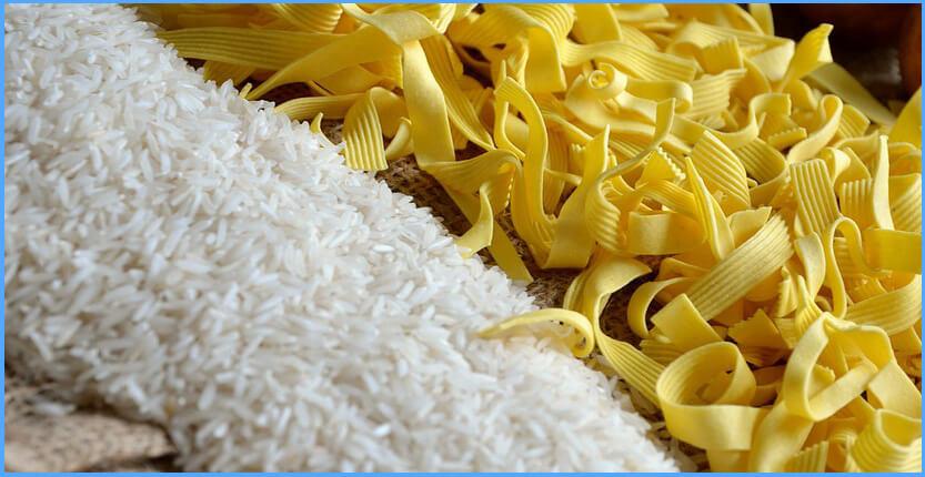 Warum haben Reis und Nudeln weniger Kalorien nach dem Kochen?