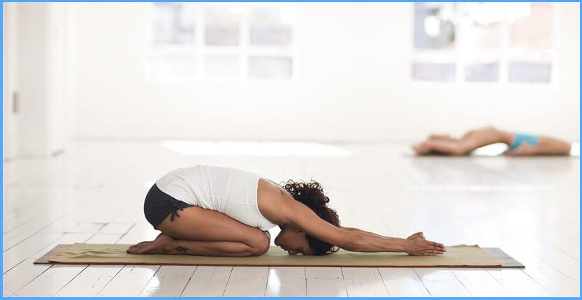 Yin Yoga: 5 wohltuende & entspannende Übungen