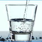 Wie viel Wasser sollte man pro Tag trinken und warum?