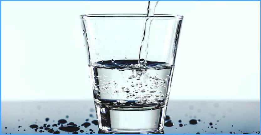 Wie viel Wasser sollte man pro Tag trinken undwarum?